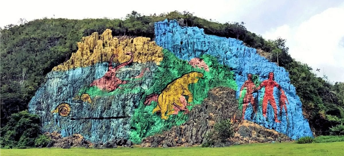 Meteor strikes Cuba at foot of mountain-mural of dragons and giants